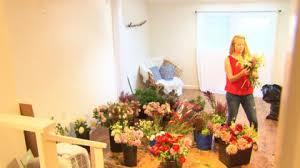 local florist local florist makes special bouquets for las vegas victims cbs
