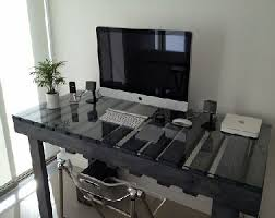palette bureau meuble ordi 11 bureau en palette avec plateau de verre