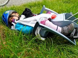 vélo avec siège bébé bébé les parents voyageurs