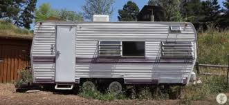 how she adjusted to living in a spruced up camper tiphero