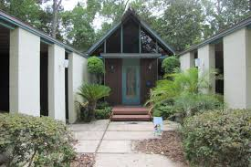Fixer Upper Homes For Sale by Midcentury Fixer Upper With Loads Of Potential Wants 215k Curbed