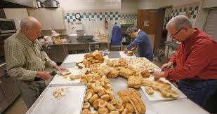 cub foods thanksgiving breaking bread blessed sacrament serves up annual thanksgiving