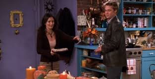 friends fans glaring continuity error in thanksgiving episode