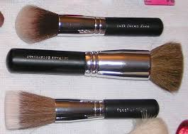 bare minerals fan brush bareminerals feather light brush reviews photos makeupalley