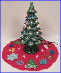 light up christmas skirt 1960s california mold ceramic light up christmas tree with skirt flocked