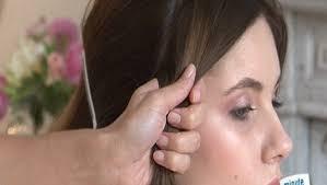 comment cuisiner des chignons coiffure faire un chignon boule minutefacile com