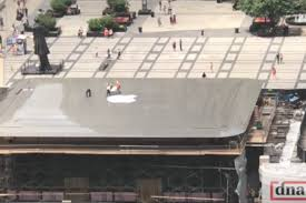 chicago u0027s new apple store has a giant macbook for a roof the verge