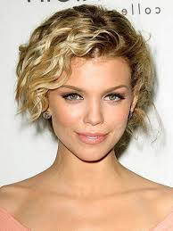 very short hairstyles for women with wavy hair hairstyle picture