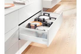 tiroirs cuisine range assiettes pour tiroir de cuisine accessoires cuisines