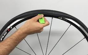 comment changer une chambre a air comment changer chambre a air 100 images vélo changer les pneus