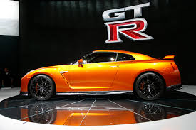 nissan gtr all models 2017 nissan gt r the refreshed r35 5 debuts in new york