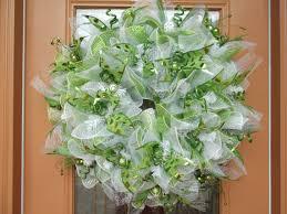 white deco mesh deco mesh green and white christmas ruffle wreath christmas