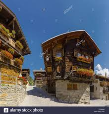 Chalet Houses Ancient Traditional Wooden Houses Chalet Town Village Flowers