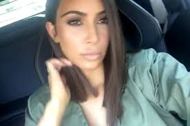 khloé kardashian debuts short lob kim kardashian debuts short hair on snapchat people com