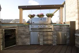 Outdoor Bbq Patio Ideas The Built In Barbeque Unit Features Cool Stacked Stone Facing And
