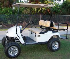 Club Car Ds Roof by Pros U0026 Cons Club Car Golf Carts Vs Ezgo Golf Carts U2013 Wheelz