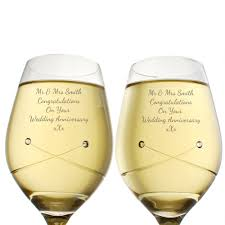 personalised wine glasses engraved by keep it personal