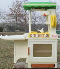Little Tikes Childrens Kitchen by 20 Iconic Little Tikes Toys From Your Childhood That You Couldn U0027t