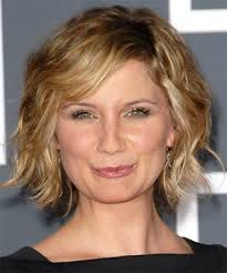 haircuts for women over 50 with frizzy hair hairstyles for women over 50 with frizzy hair jennifer nettles