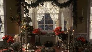 10 holiday decorating ideas from the christmas movies we love the