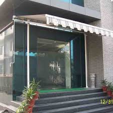 Commercial Retractable Awnings Commercial Retractable Awnings Mohan Awnings
