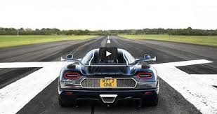 koenigsegg one 1 koenigsegg one 1 hits 225 mph pictures specs video digital trends