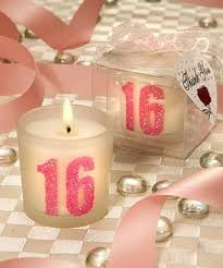 Sweet 16 Party Centerpieces For Tables by Best 25 Sweet 16 Decorations Ideas On Pinterest 15th Birthday