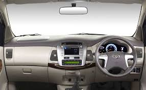 Innova 2014 Interior Spec Comparison Toyota Innova 2016 Vs The Current Model Ndtv