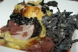 cuisiner trompettes de la mort filet mignon de porc en croûte aux trompettes et foie gras balade
