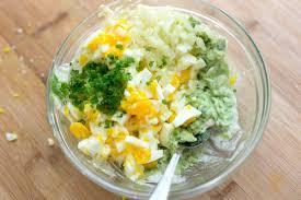 how to make sriracha mayo easy avocado egg salad recipe
