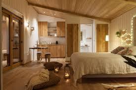 tiny home rentals cabane en bois chene poutres meubles diy petite cuisine tiny