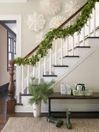 60 festive and beautiful ways to decorate with christmas garlands