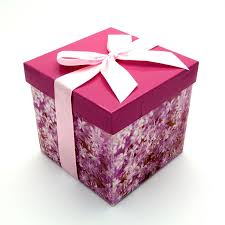 gift box chakkar floral print medium gift box pink special deals
