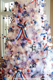 White Christmas Tree Decoration Ideas by How To Decorate A Red White And Blue Christmas Tree