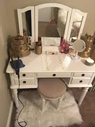 Bobkona St Croix Collection Vanity Set With Stool White Bobkona St Croix Vanity Set Bobkona St Croix 3 Fold Mirror Vantiy