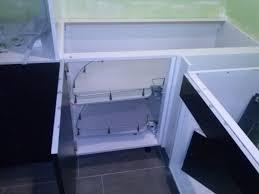 montage evier cuisine pose de la cuisine de chez ikea couleur noir laqué le