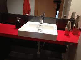 encimera de ba祓o y lavabo en silestone marmoler祗a graymar