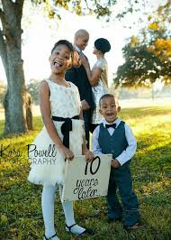 ten year anniversary ideas 10 year anniversary family photo family portrait ideas