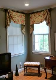 Valances For Bay Windows Inspiration Remarkable Valances For Bay Windows In Bedroom Photo Design