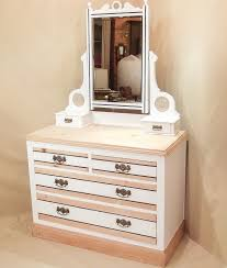 Corner Vanity Table Furniture Simple Corner Makeup Vanity Bring A Lovely Look