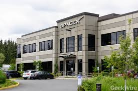 Redmond Campus Spacex Adds A Big New Lab To Satellite Operation In Seattle Area