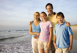 colors for family pictures ideas 10 cute clothing ideas for family pictures on the beach