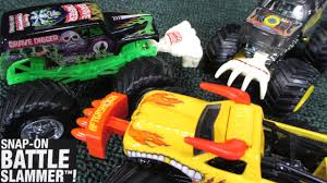 grave digger 30th anniversary monster truck toy new 2015 monster jam accessories snap on battle slammer youtube