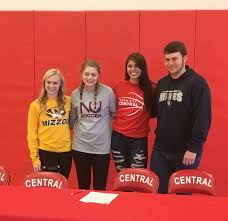 Ncaa Letter Of Intent by Six Raiders Cobblers Sign Letters Of Intent Sports