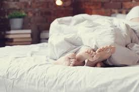 Best Mattress Finding The Best Mattress For Couples Bedtime Reading Sleeping