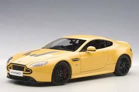 aston martin vantage v12 highly detailed autoart diecast model car yellow tang aston martin