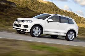 white volkswagen touareg 2012 volkswagen touareg information and photos zombiedrive