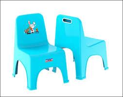 chaise plastique enfant arrivage de chaise plastique enfant 1200f dock du faubourg