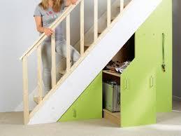 schrank unter treppe neuer stauraum unter der treppe selber machen heimwerkermagazin