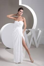 robe mari e courte devant longue derriere de mariée asymétrique courte devant longue derrière cache cœur